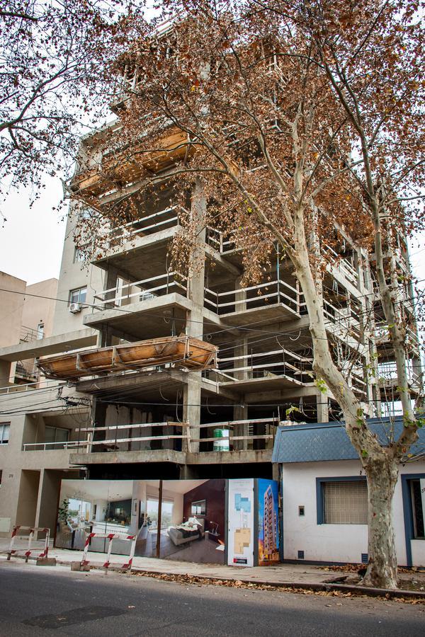Foto Edificio en Junin Gral. Paz N° 380 número 3