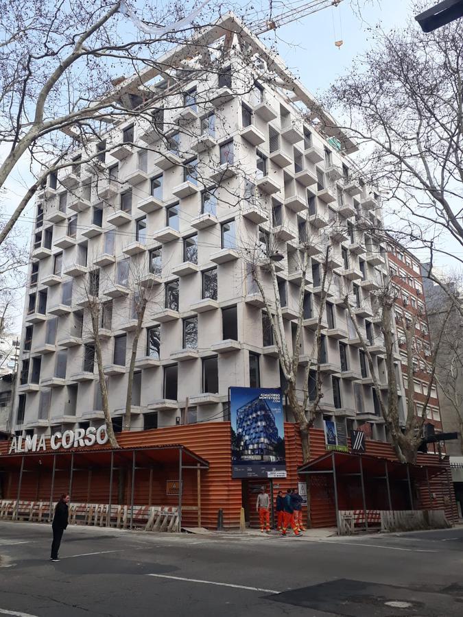 Foto Edificio en Centro (Montevideo) Canelones y Convención número 3