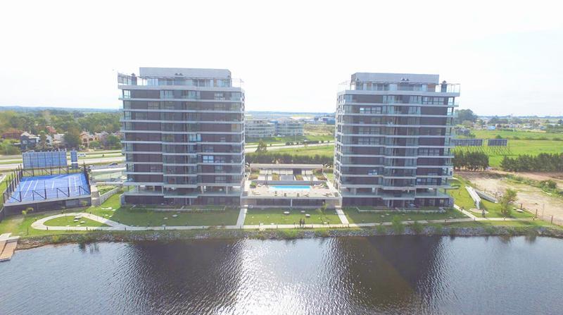 Foto  en Parque Carrasco Apartamentos Premium con vista al Lago