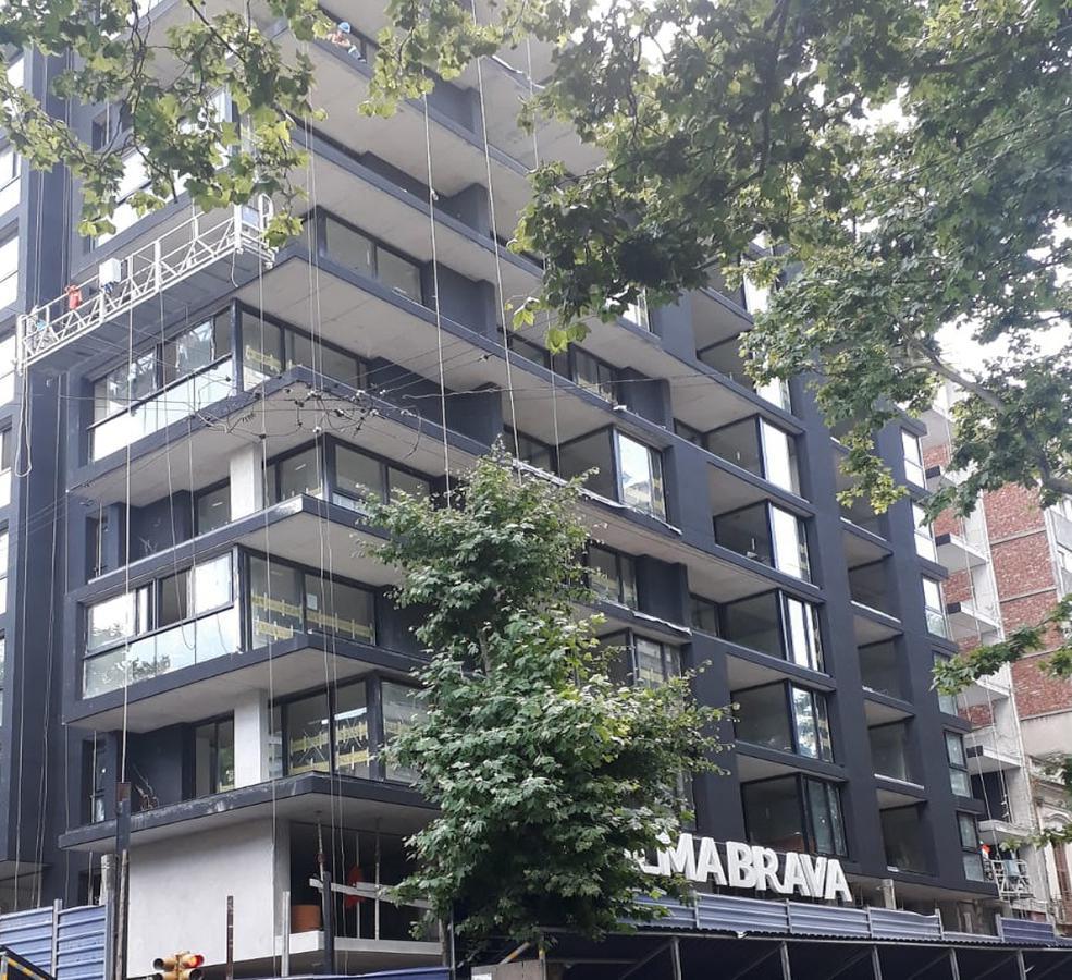 Foto Local en Venta en  Centro (Montevideo),  Montevideo  Andes y Soriano