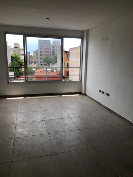 Foto Edificio en Moron Norte Crisologo Larralde 1600 número 2