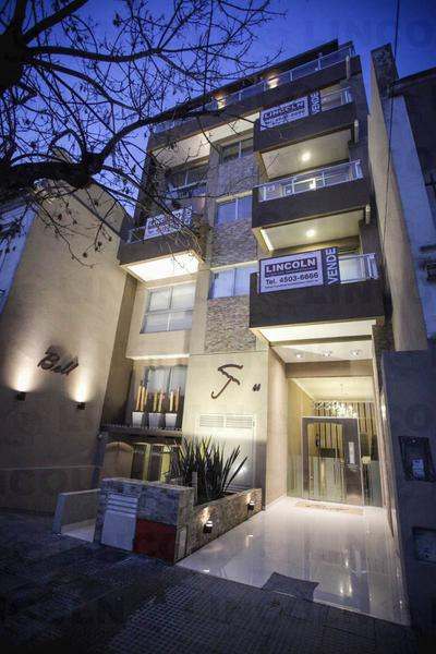 Foto  en Villa del Parque Campana  3289