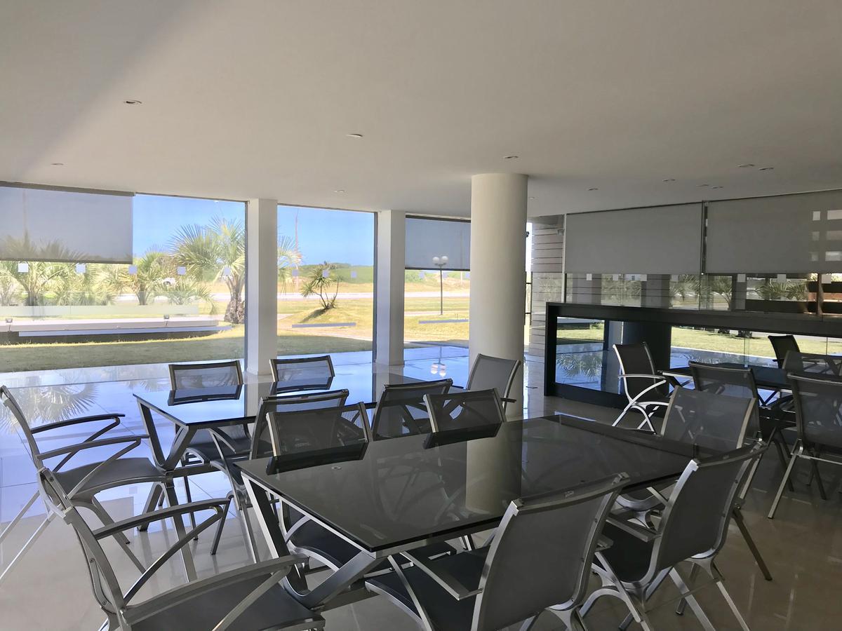 Foto Edificio en Playa Brava BRAVA número 23
