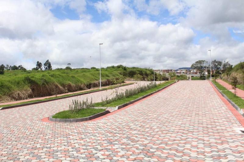 Foto  en Los Chillos Av. General Rumiñahui sector el colibrí