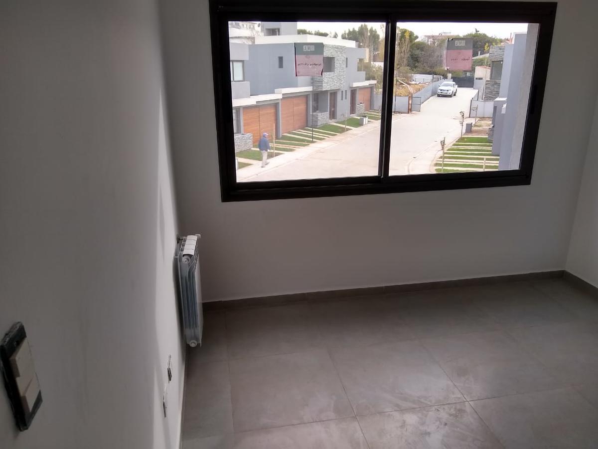 Foto Barrio Privado en Arguello ALBERTO NICASIO 7181 número 47