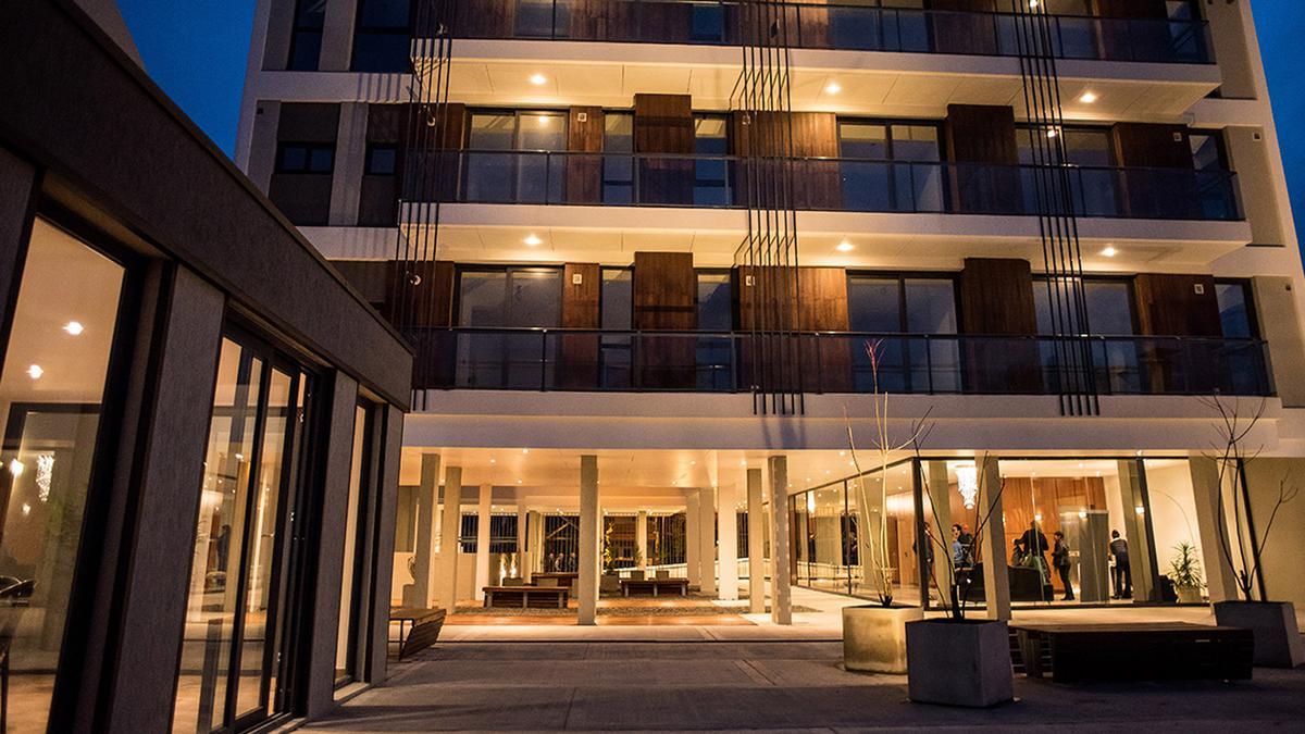 Foto Edificio en La Perla Norte FRENCH 3800 número 20