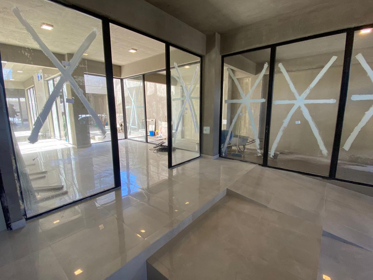 Foto Edificio en Wilde Bragado al 6400 número 1