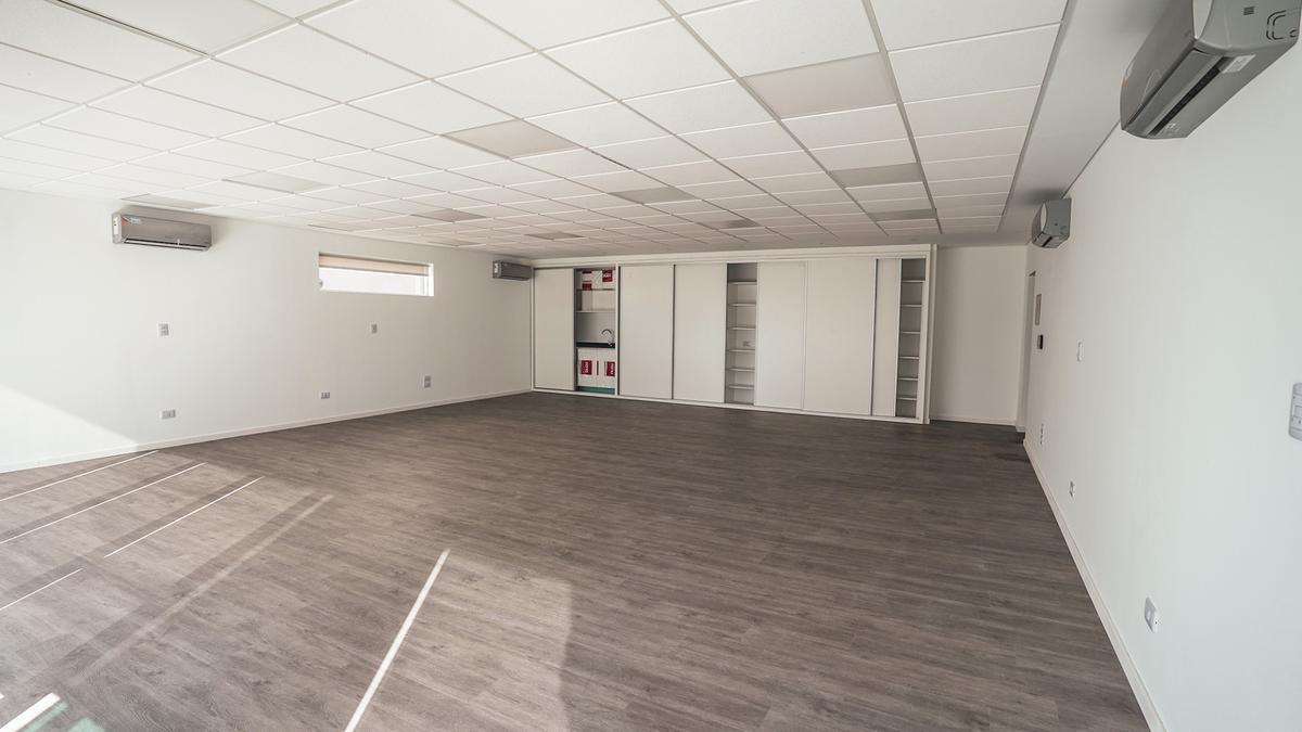 Foto Edificio de oficinas en Microcentro             Corrientes  y San Lorenzo            número 15