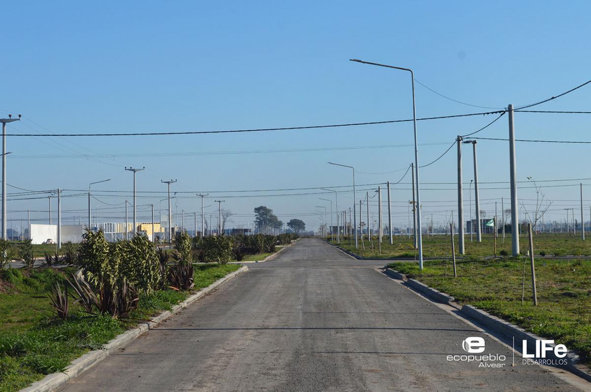 Foto Barrio Abierto en Alvear Av. Rubini y RP 21 número 12