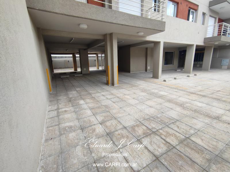 Foto Edificio en Moron Sur 25 de Mayo 755, entre Santa Fe y Entre Ríos. número 5