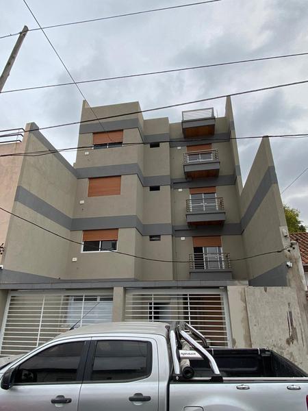 Foto Edificio en Lomas Del Mirador Venancio Flores 22 número 3