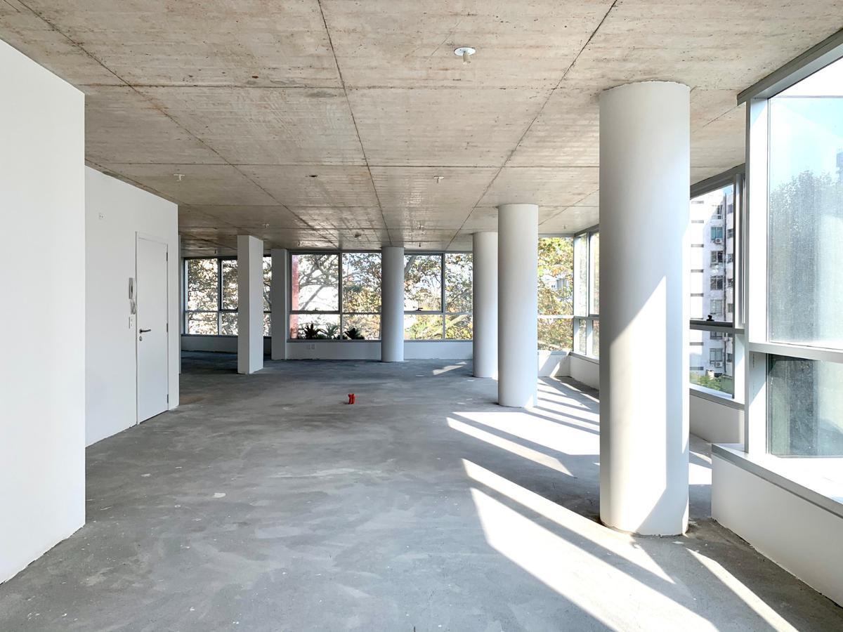 Foto Edificio de oficinas en Parque Rodó Bvar. España próximo a Cassinoni número 3