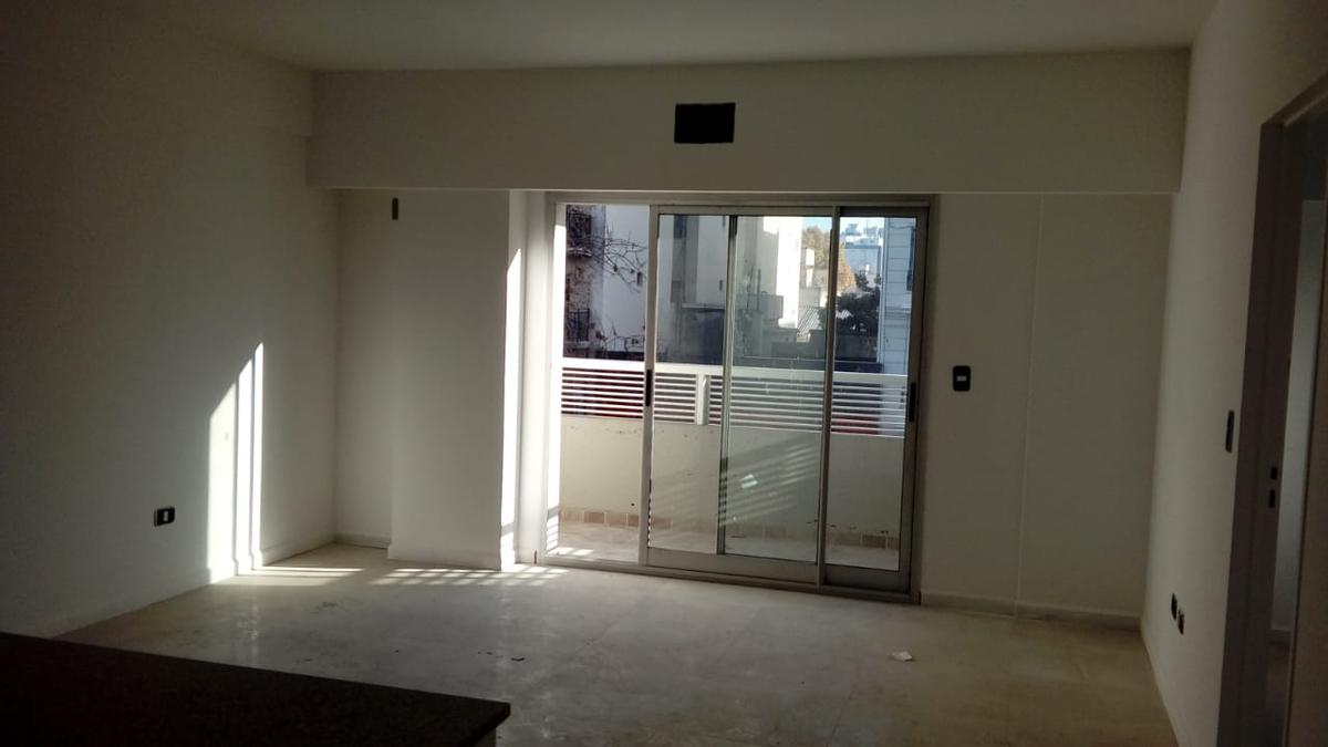 Foto Edificio en Caballito Av. Rivadavia 6126 número 6