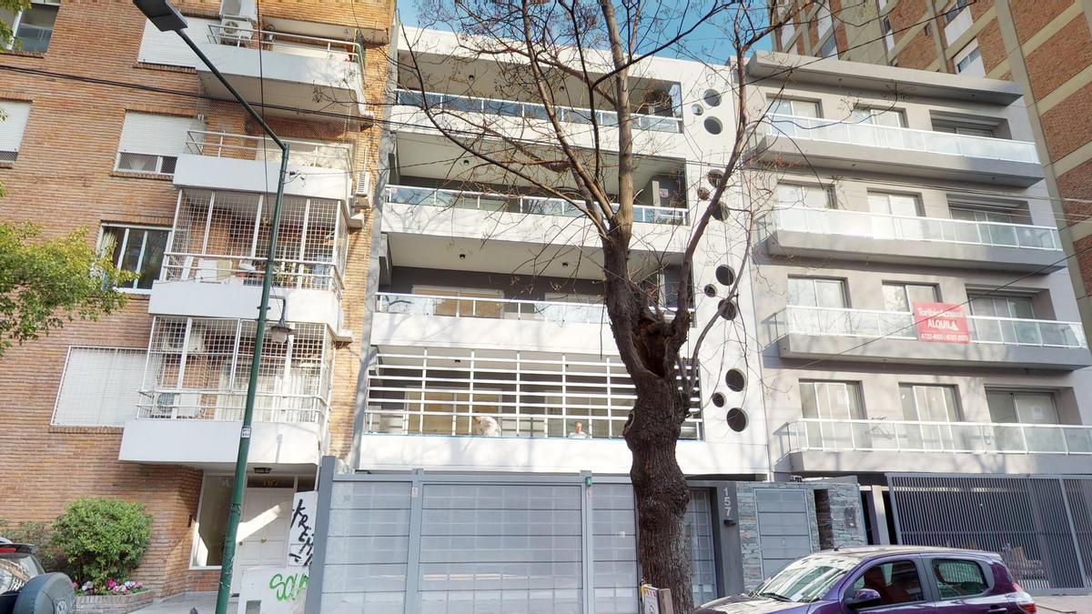 Foto  en Mart.-Vias/Santa Fe Sarmiento 157, Martínez