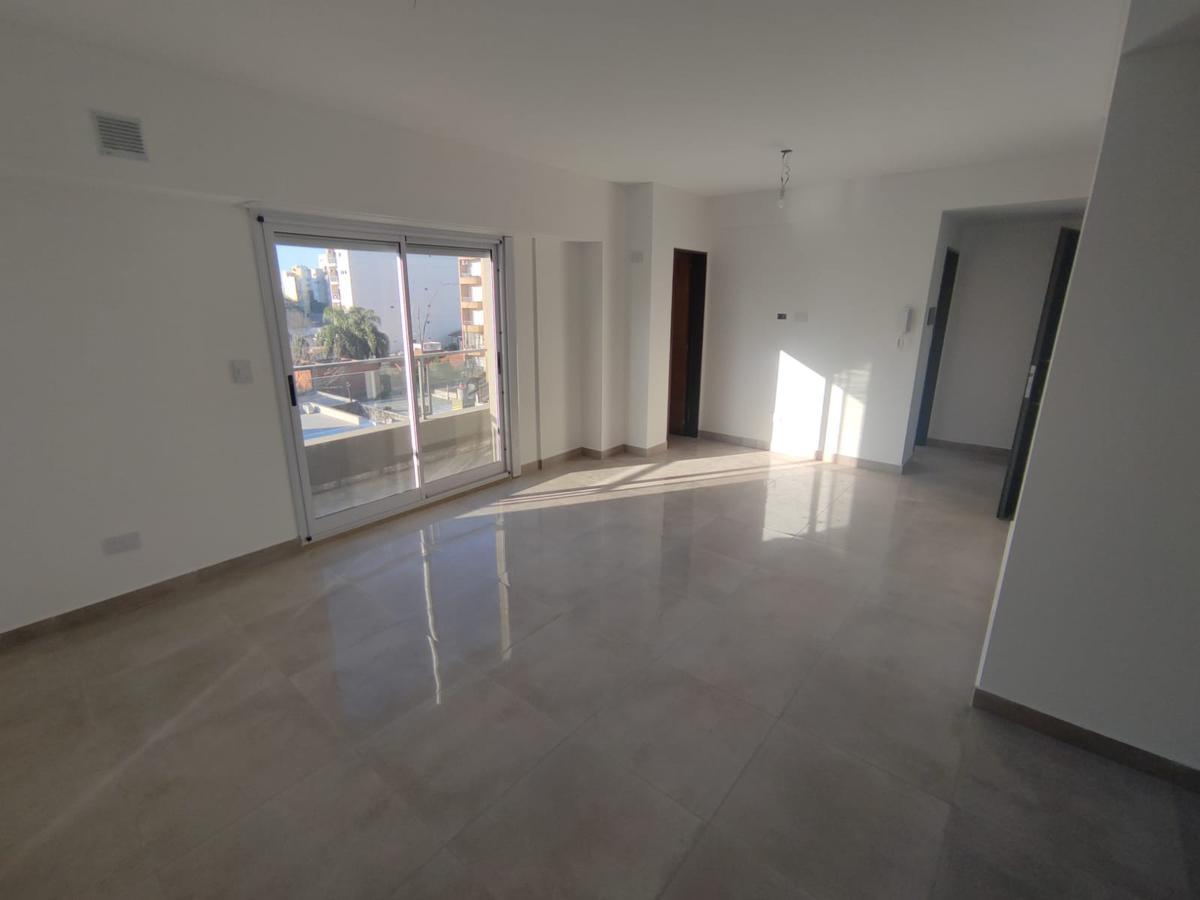 Foto Edificio en Moron Sur Mariano Moreno 400 número 8