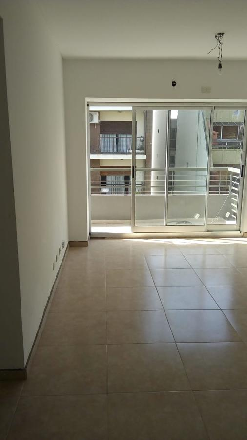 Foto Local en Venta | Alquiler en  Flores Norte,  Flores  Yerbal al 2100 - LOCAL