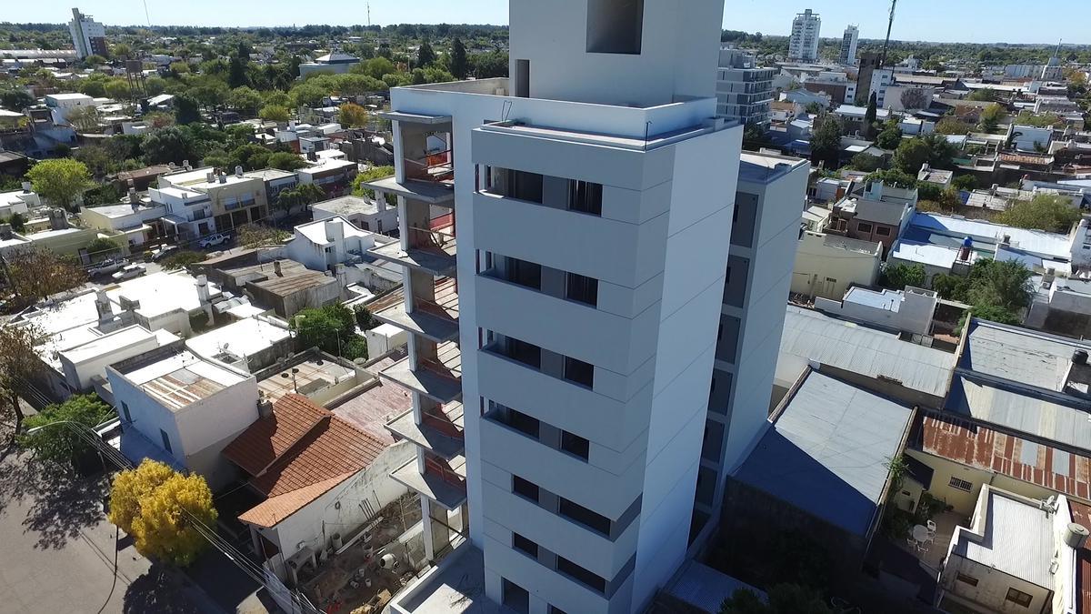 Foto Edificio en Centro Calle 14 e/ 15 y 13 numero 3