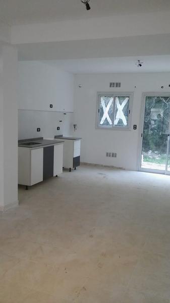 Foto Condominio en Muñiz San Jose y Casacuberta número 2