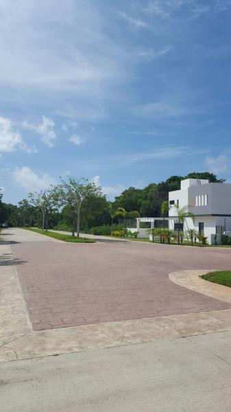 Foto Casa en Venta en  Solidaridad ,  Quintana Roo  Casa de 3 Recamaras Residencial El Cielo