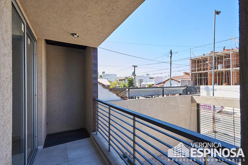 Foto Edificio en Moron Sarratea 70 número 24