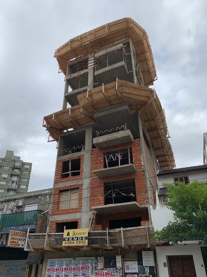 Foto Edificio en Parque Patricios Av. Chiclana 3075 número 8