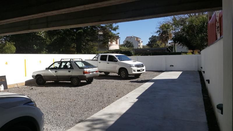 Foto Edificio en Adrogue ROSALES AL 1400 entre Cerretti y Plaza Brown número 11