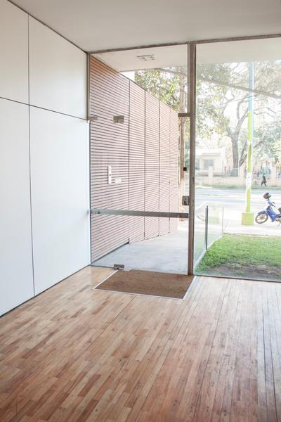 Foto Edificio en Zona Mate De Luna Edificio: Av. Mate de Luna 2008 número 11