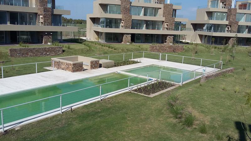 Foto  en Los Castaños Nordelta, villa 12 100