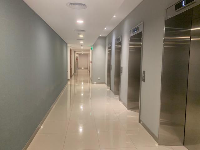 Foto Edificio de oficinas en Haedo Norte Acceso Oeste Km 16 Haedo número 11