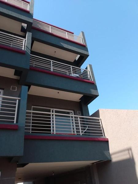 Foto Edificio en Moron Sur Vicente Lopez 900 número 1