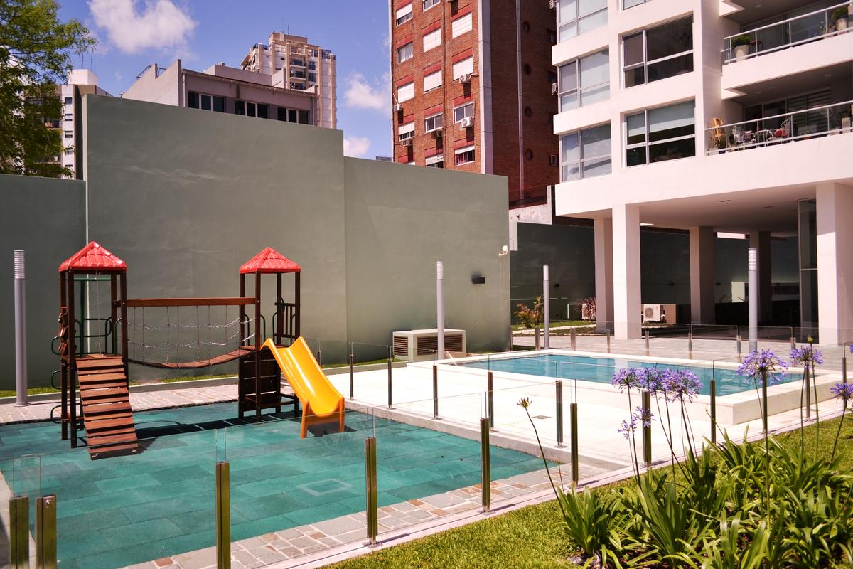 Foto Edificio en V.Lopez-Vias/Rio Av. Libertador 1265 Cochera 2011 número 12