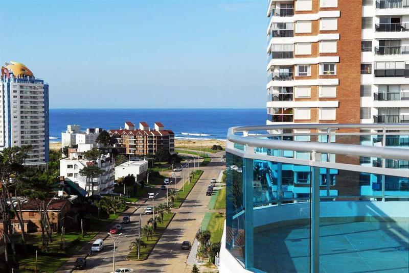 Foto Edificio en Playa Mansa Avda Chiverta número 10