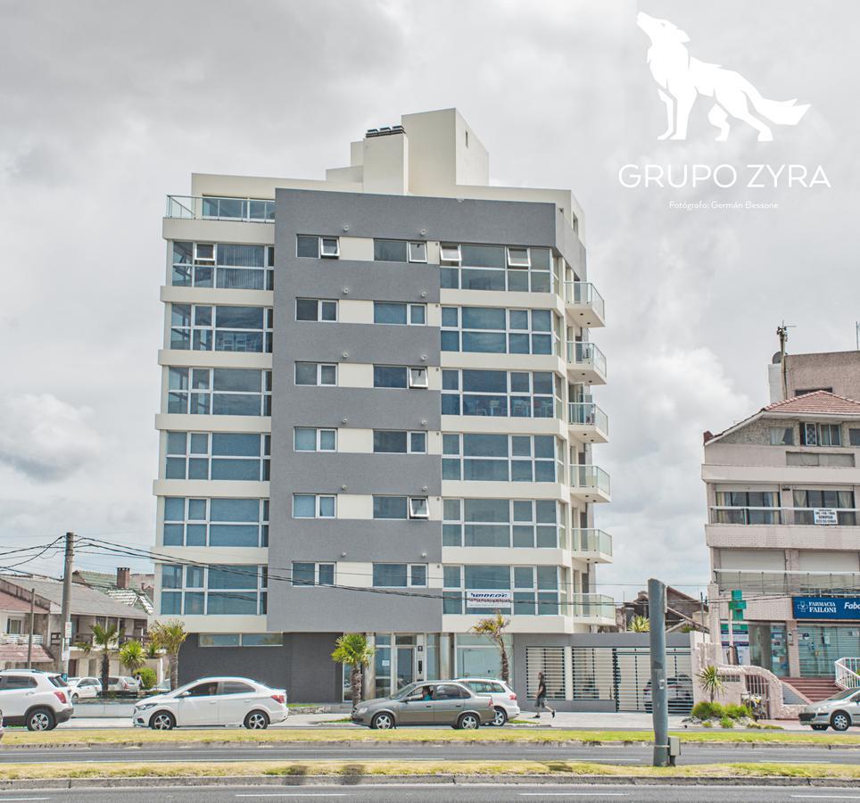 Foto Edificio en La Perla Norte Falkner y La Costa número 1