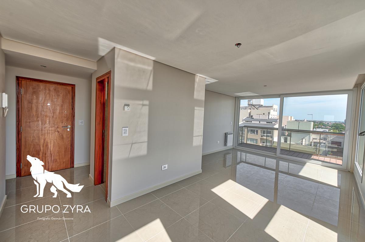 Foto Edificio en La Perla Sur Independencia 600 número 3
