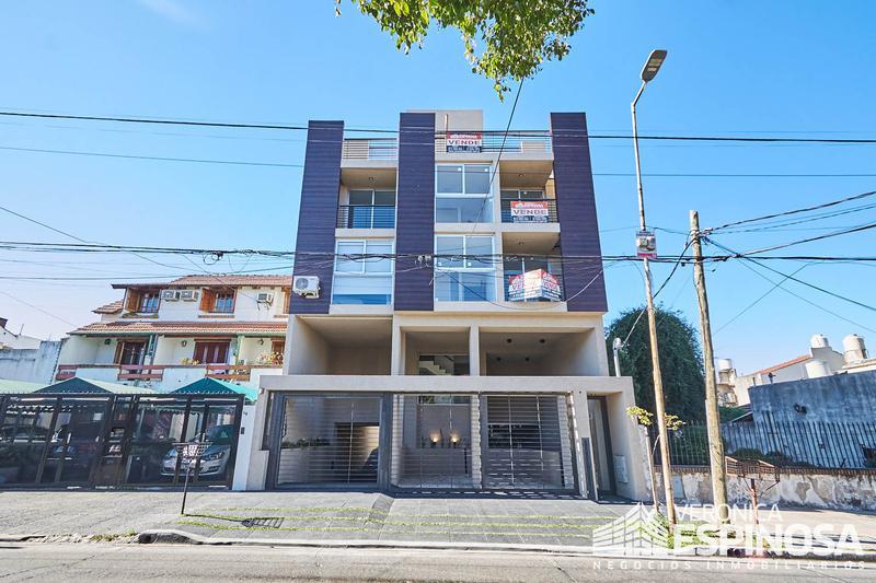 Foto Edificio en Moron Sarratea 70 número 7