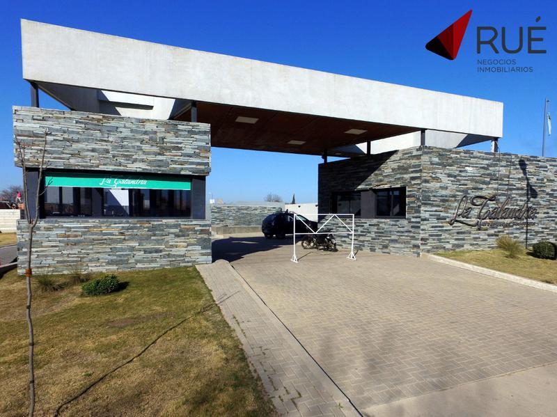Foto  en La Calandria Casas y Dúplex  de 3 Dormitorios en Venta en La Calandria