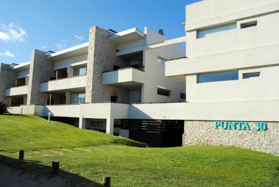 Foto Condominio en Las Gaviotas Punta del Este y Calle 30 número 1