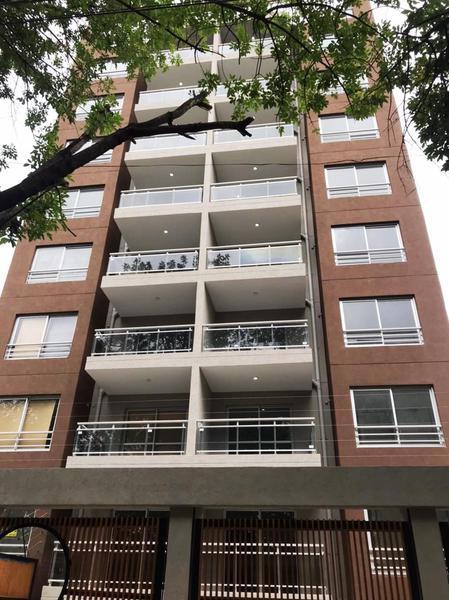 Foto Edificio en Moron La Roche 561 número 1