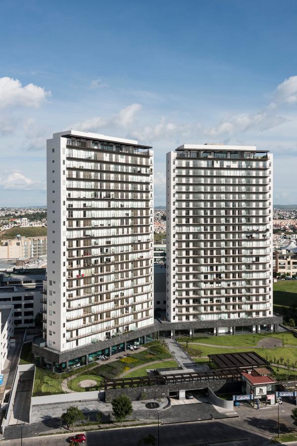 Foto DESARROLLO - Condominio en  en  San Andrés Cholula , Puebla  High Towers Elite junto a Sonata, en Puebla.