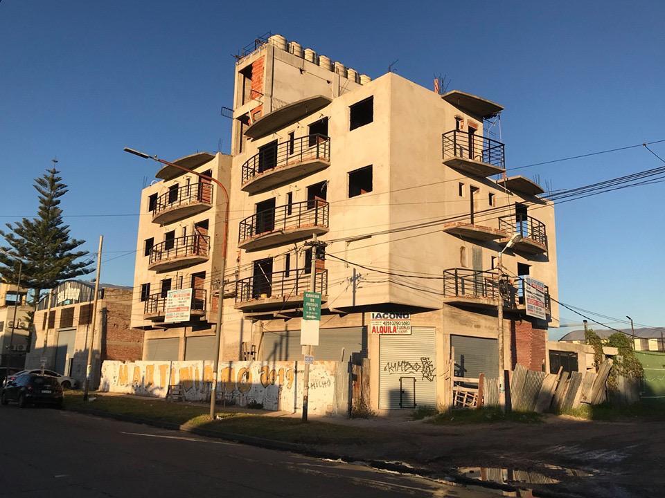 Foto Edificio en Bernal Oeste Zapiola esquina Victorica número 4
