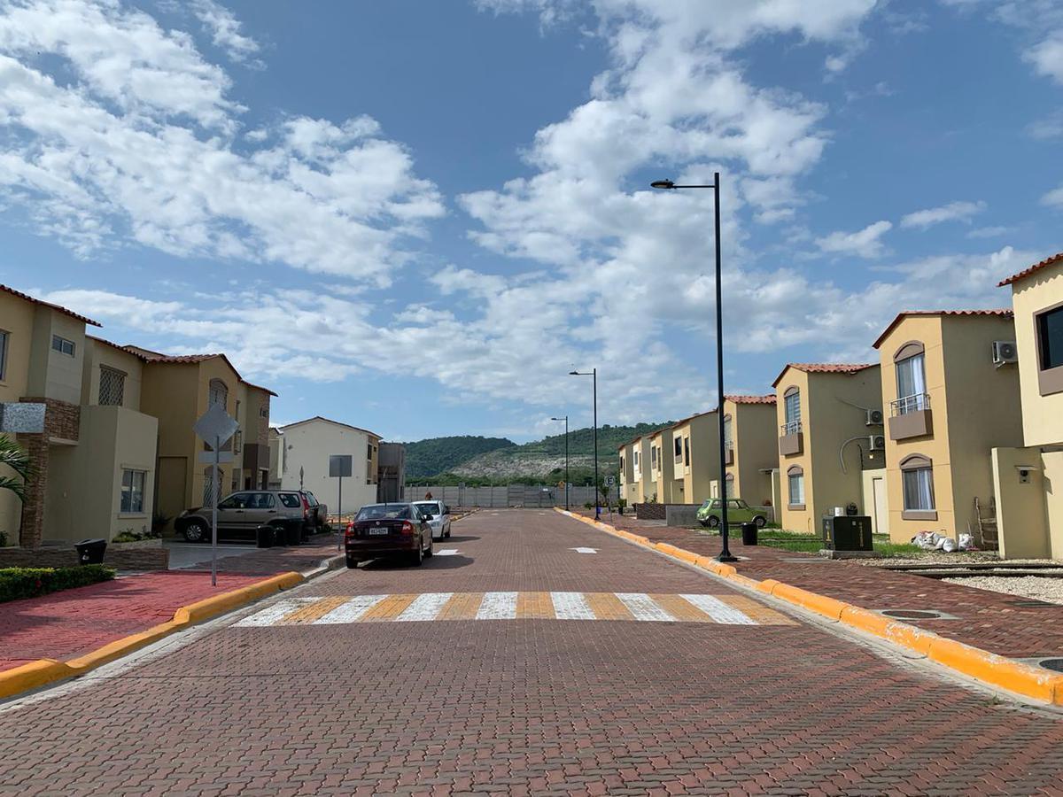 Foto Barrio Privado en Vía a la Costa URBANIZACIÓN COSTALMAR II número 8