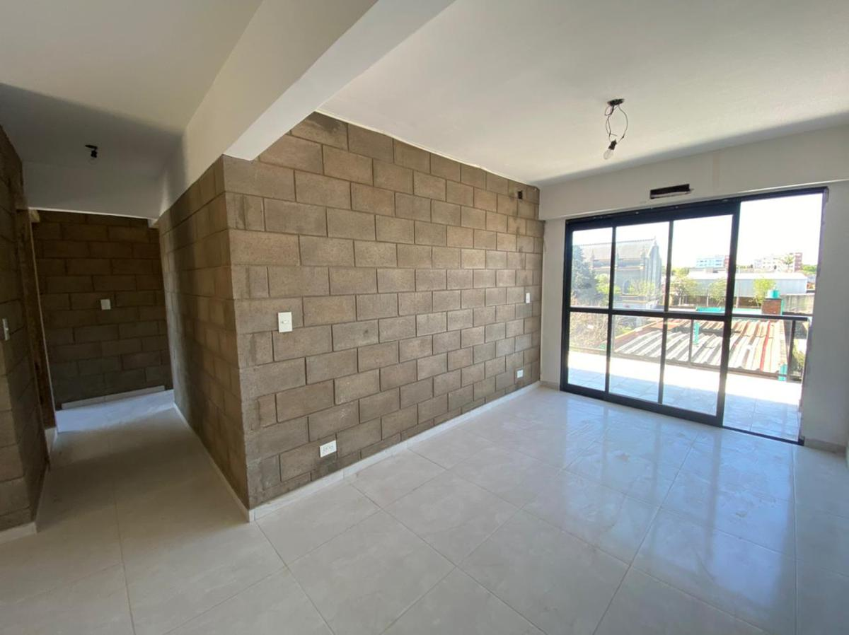 Foto Edificio en Wilde Bragado al 6400 número 15
