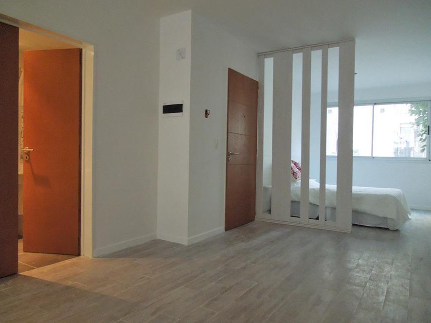 Foto Edificio de oficinas en Balvanera URIBURU Y PERON número 9