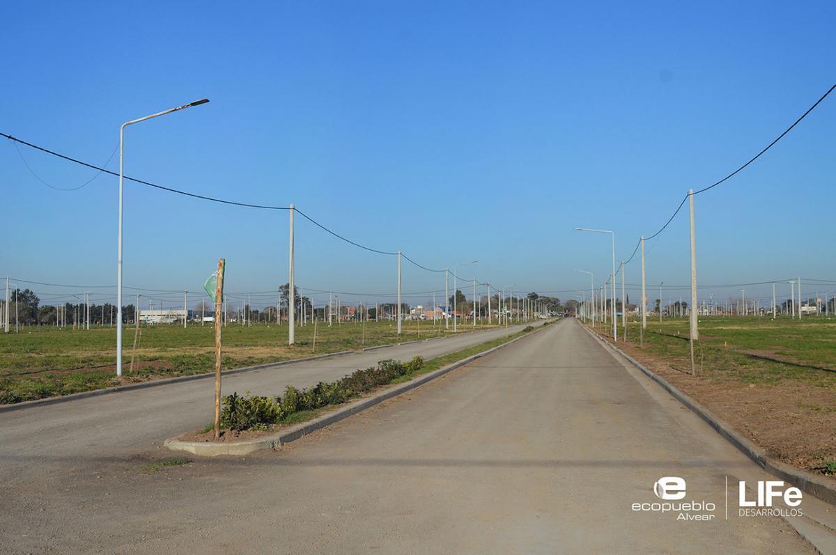 Foto Barrio Abierto en Alvear Av. Rubini y RP 21 número 11