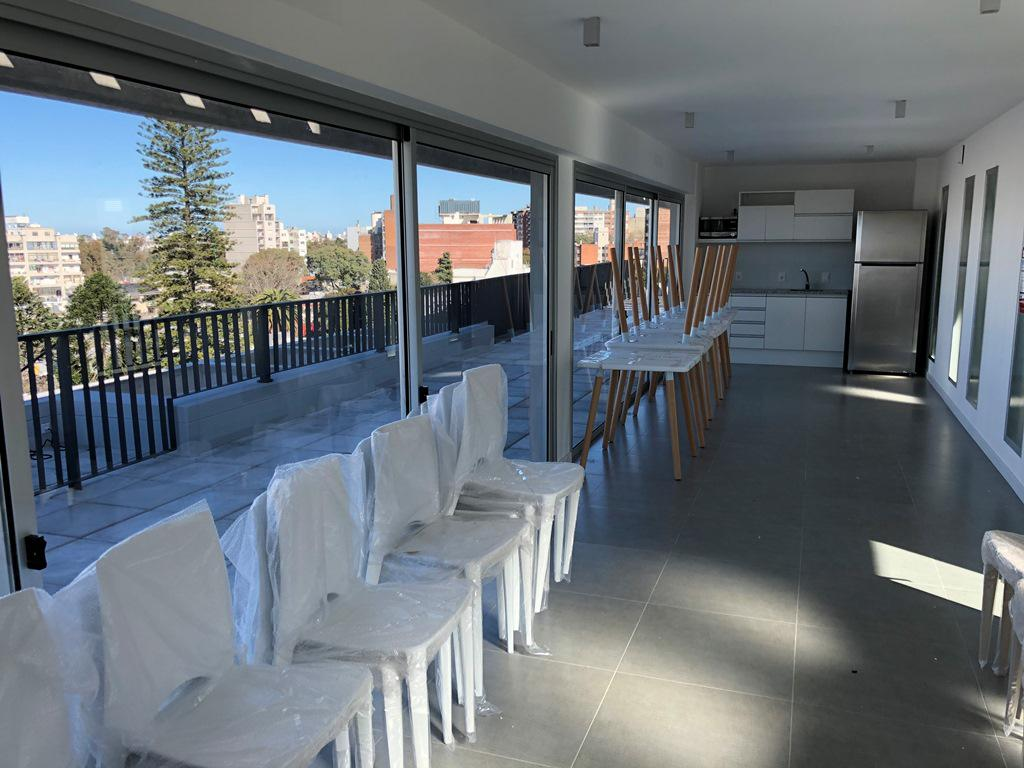 Foto Edificio en Parque Batlle Ramón Ortiz 2903 y Dr. José Brito Foresti número 8