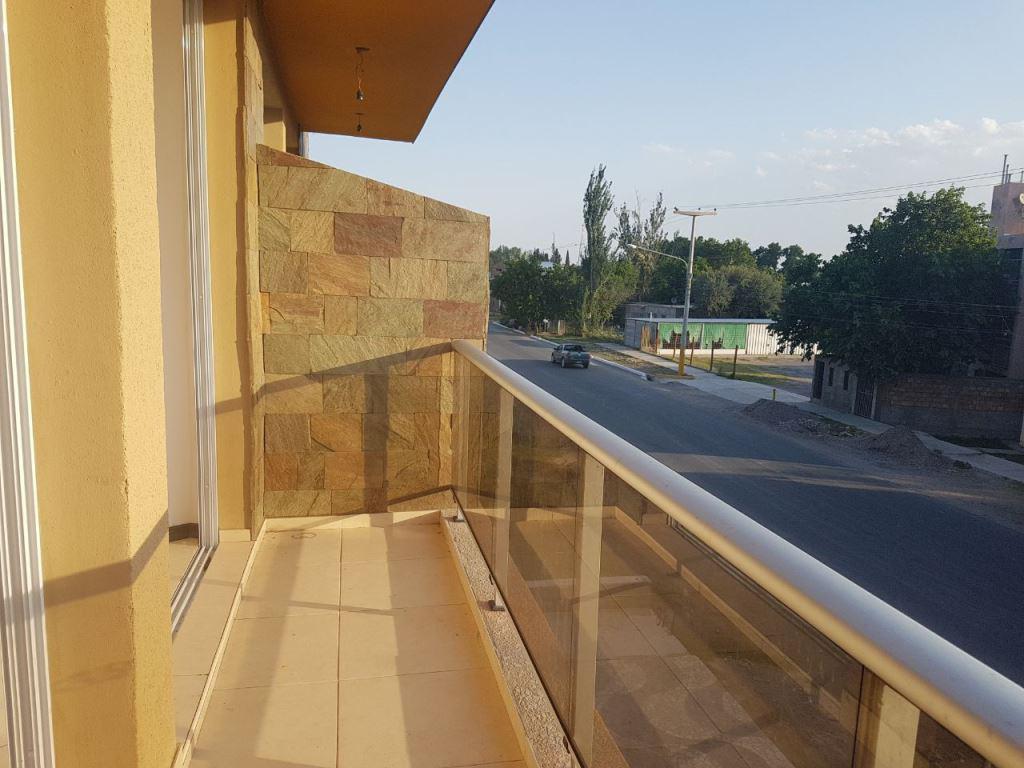 Foto Edificio en Santa Lucia Avda. Sarmiento 3100 Este santa Lucia número 10
