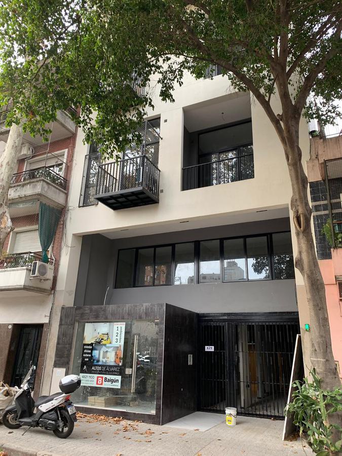Foto Edificio en Villa Crespo Julián Álvarez y Castillo número 9