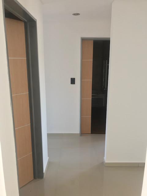 Foto Edificio en Liniers Patron 7300 número 8