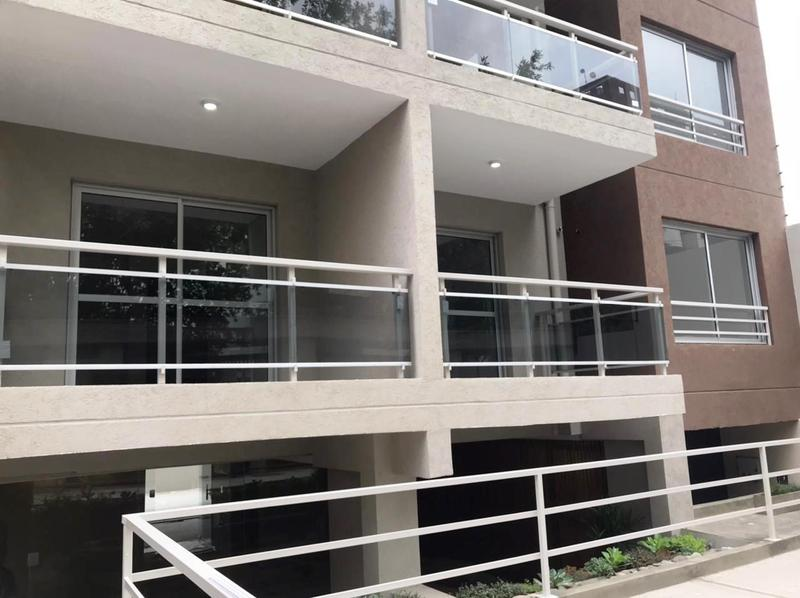 Foto Edificio en Moron La Roche 561 número 3