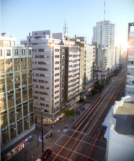 Foto Edificio en Centro (Montevideo)  18 de Julio esqu. Tacuarembó número 4